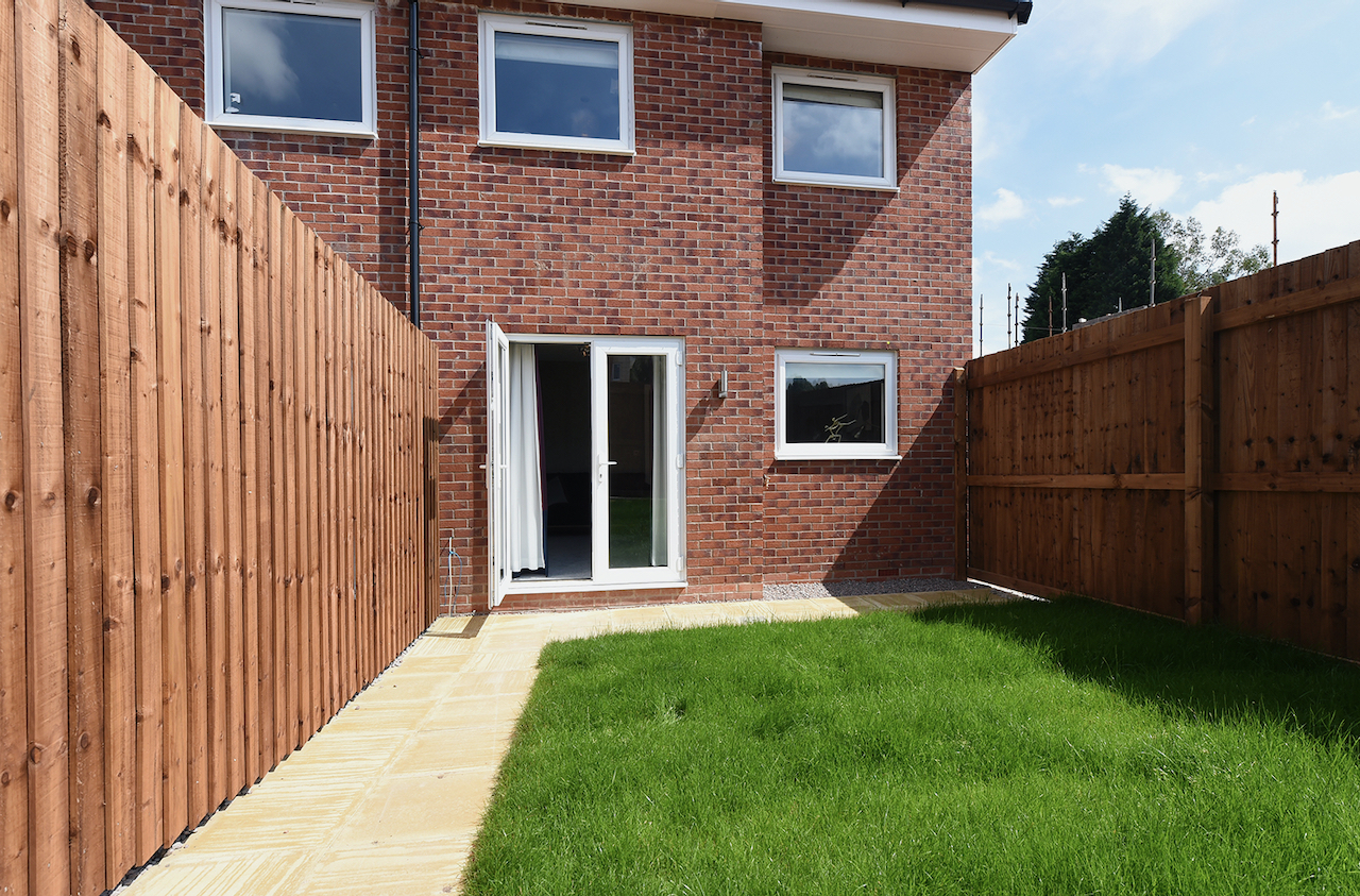 3 Bed Show home at Fox Owl Rise in Lees from House Crowd Developments